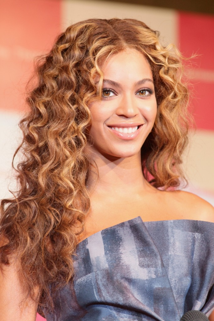 Hairstyles For Curly Thick Hair And Round Faces